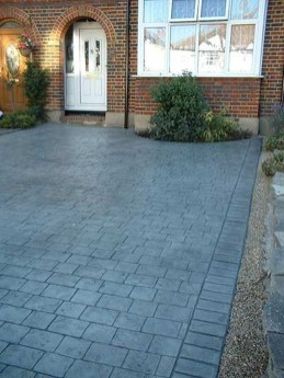 Fabulous Driveway Landscaping Design Ideas For Your Home To Try Asap 09
