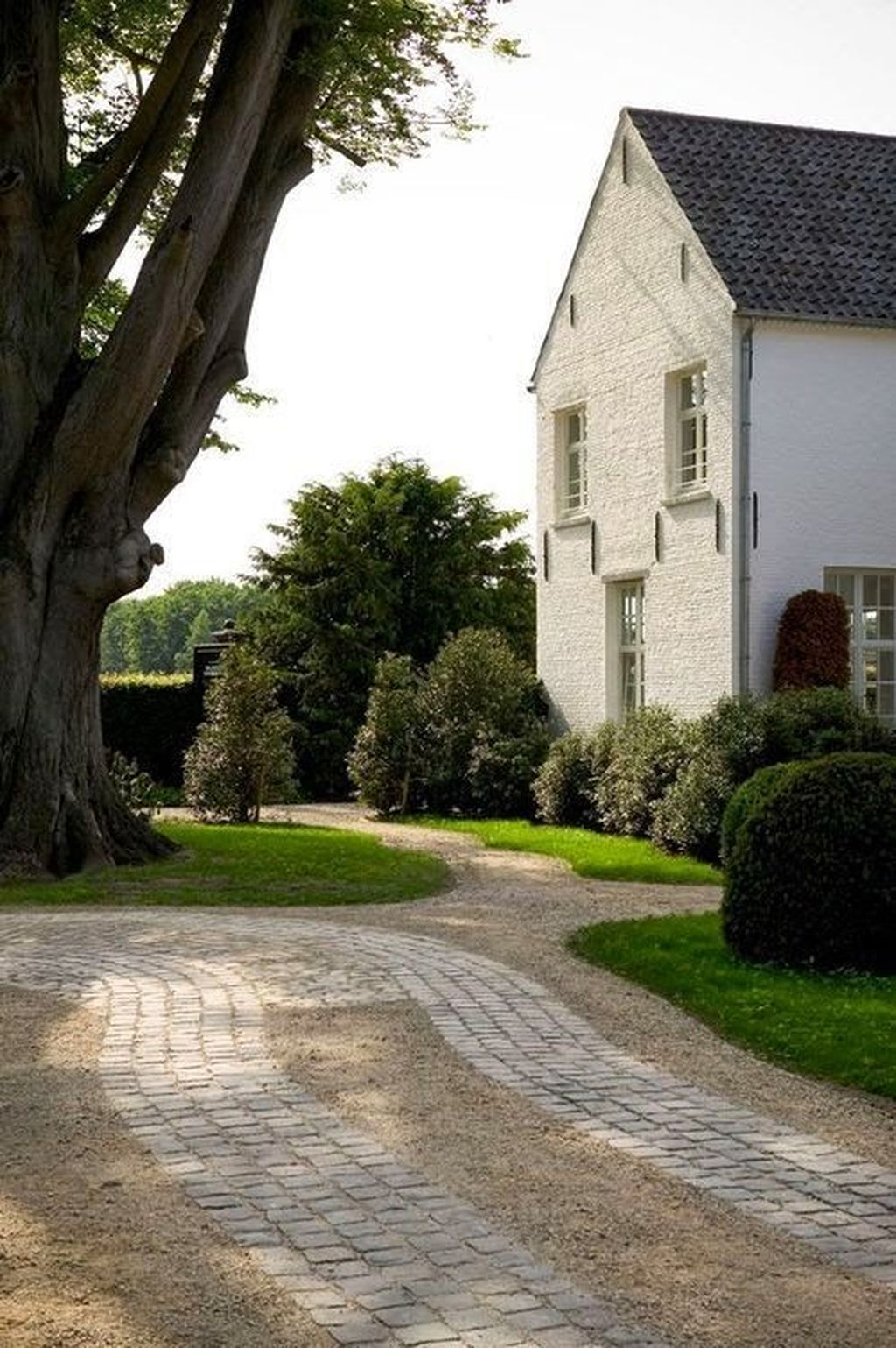 Fabulous Driveway Landscaping Design Ideas For Your Home To Try Asap 12