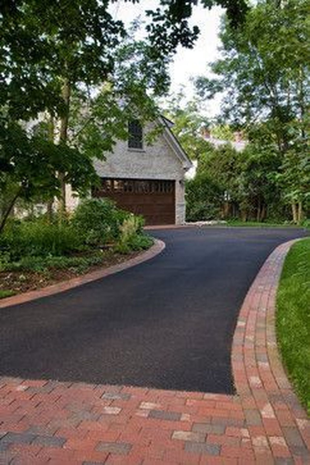 Fabulous Driveway Landscaping Design Ideas For Your Home To Try Asap 20