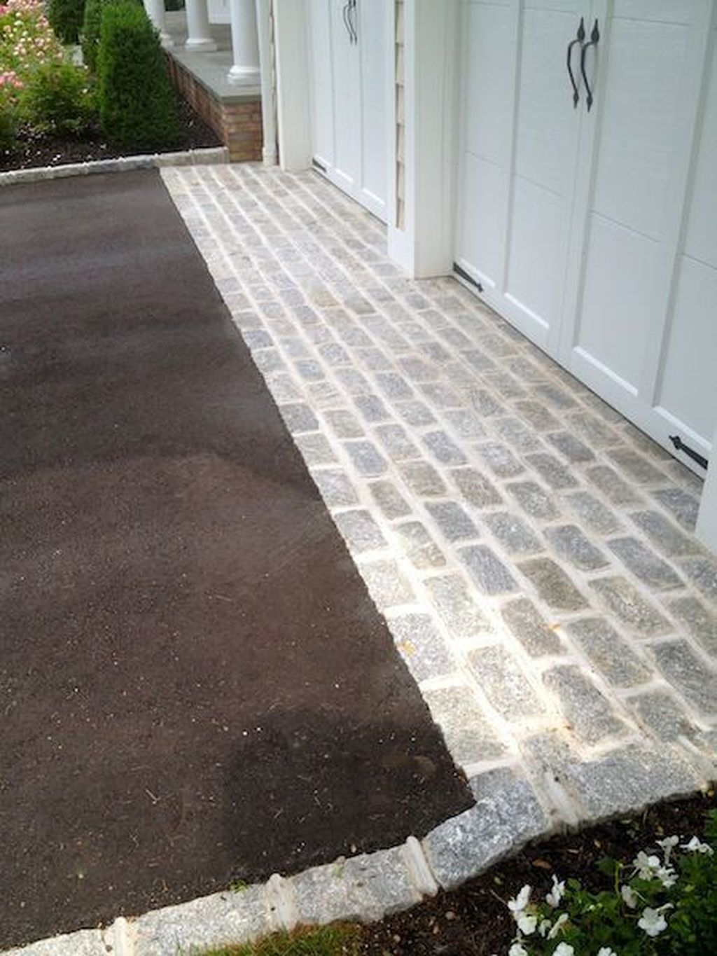 Fabulous Driveway Landscaping Design Ideas For Your Home To Try Asap 32