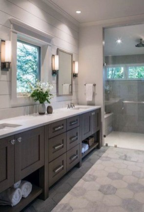 Perfect Master Bathroom Design Ideas For Small Spaces To Have 06