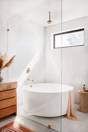 Perfect Master Bathroom Design Ideas For Small Spaces To Have 08