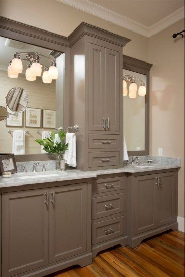 Perfect Master Bathroom Design Ideas For Small Spaces To Have 35