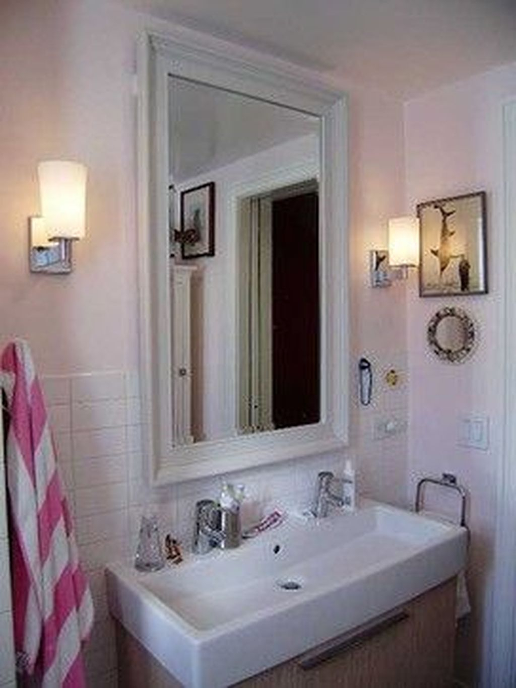 Popular Traditional Small Bathroom Decor Ideas To Try Asap 28