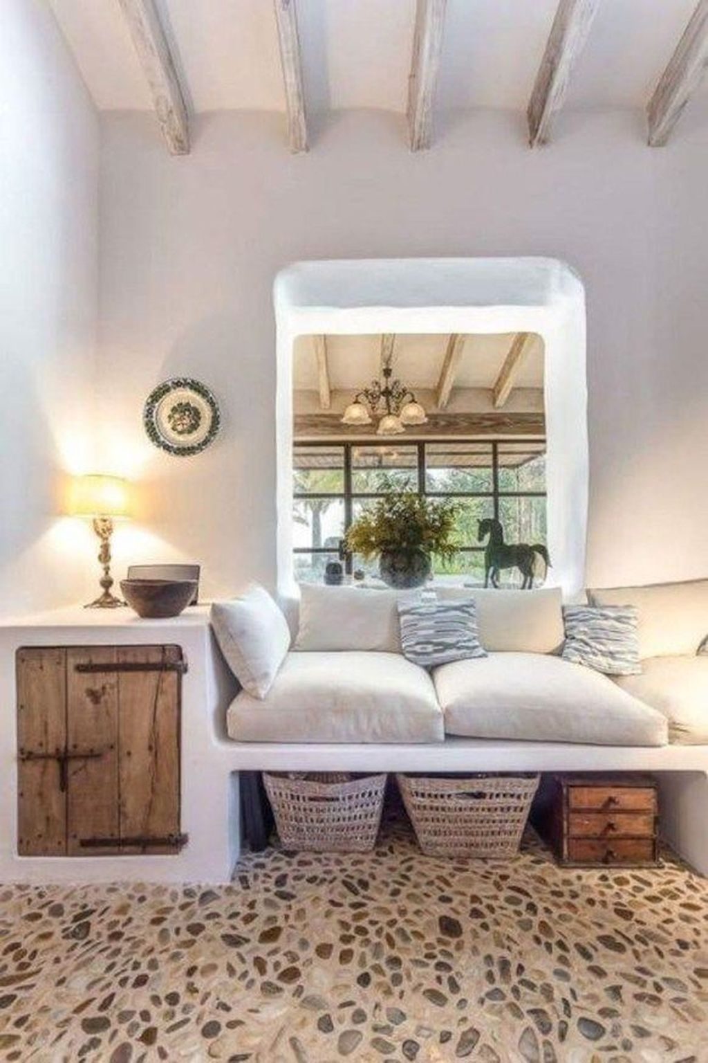 Relaxing Mediterranean Living Room Design Ideas To Try Asap 33