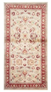 Stunning Traditional Indian Carpet Designs Ideas For Living Room To Try 32