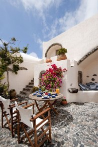 Enjoying Mediterranean Style Design Ideas For Your Home Décor 07
