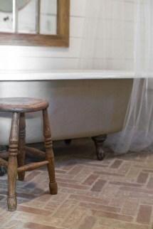 Modern Bathroom Design Ideas With Exposed Brick Tiles 31