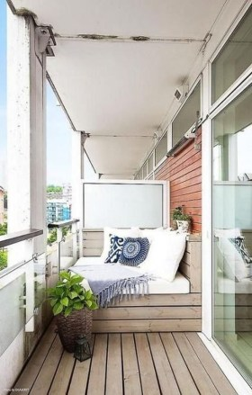 Relaxing Tiny Balcony Decor Ideas To Try This Month 27