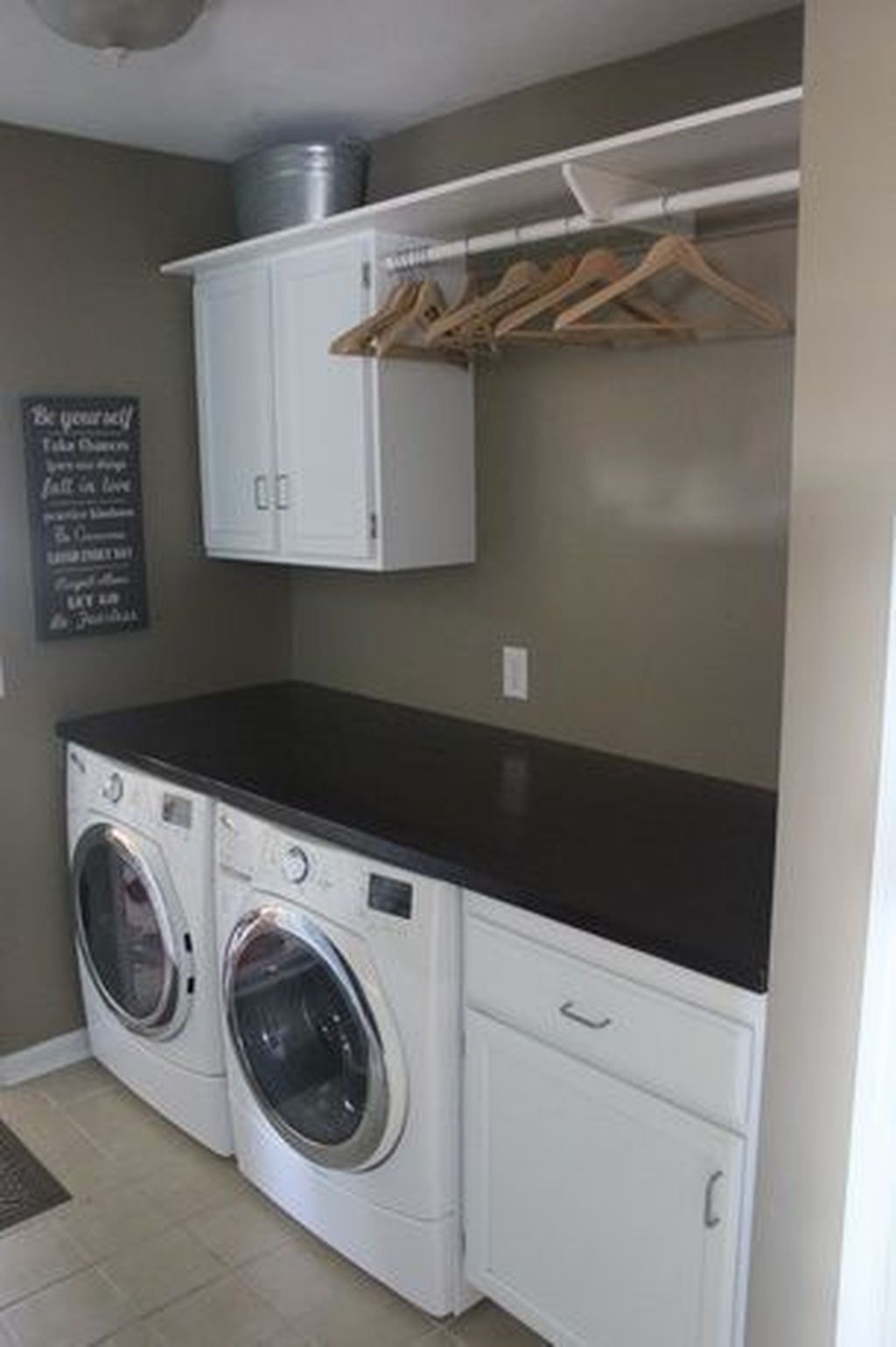 Affordable Laundry Room Design Ideas That You Will Like It 14