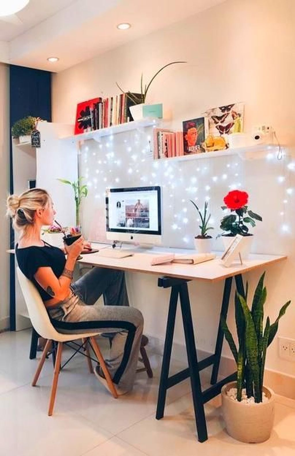 Captivating Girl Workspace Design Ideas That Looks So Cute 04