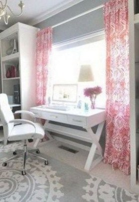 Captivating Girl Workspace Design Ideas That Looks So Cute 08