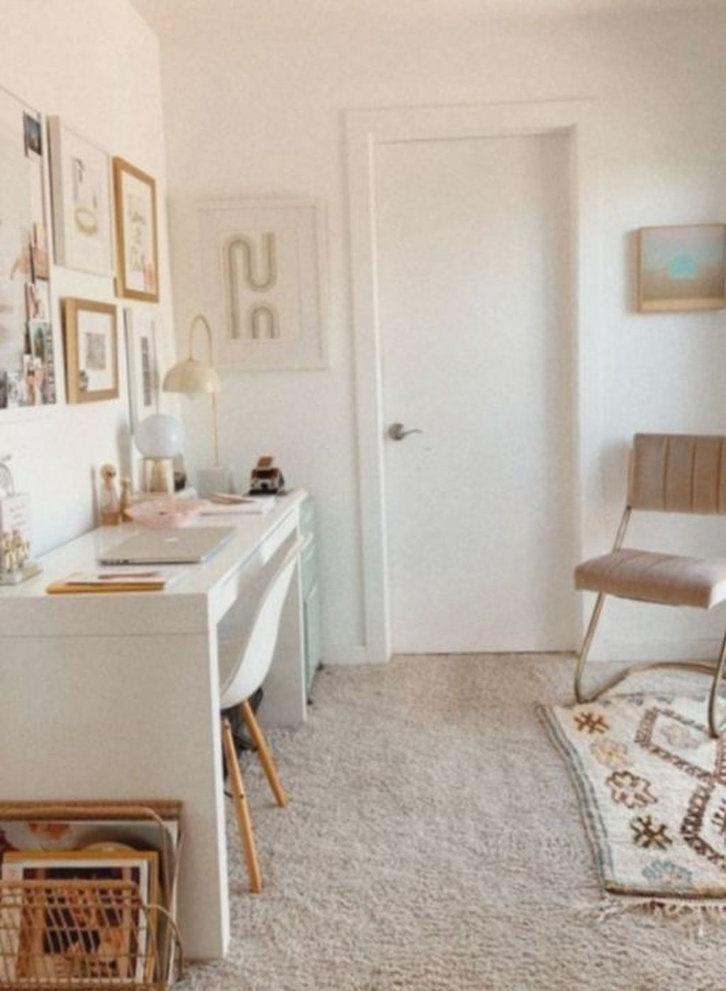 Captivating Girl Workspace Design Ideas That Looks So Cute 20