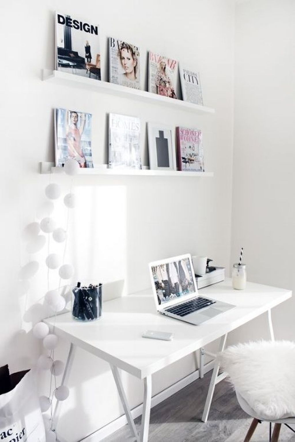 Captivating Girl Workspace Design Ideas That Looks So Cute 25