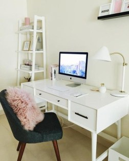 Captivating Girl Workspace Design Ideas That Looks So Cute 32
