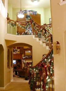 Charming Winter Staircase Design Ideas With Banister Ornaments To Try Asap 06