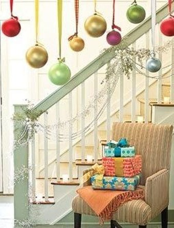 Charming Winter Staircase Design Ideas With Banister Ornaments To Try Asap 13