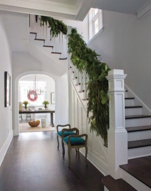Charming Winter Staircase Design Ideas With Banister Ornaments To Try Asap 26