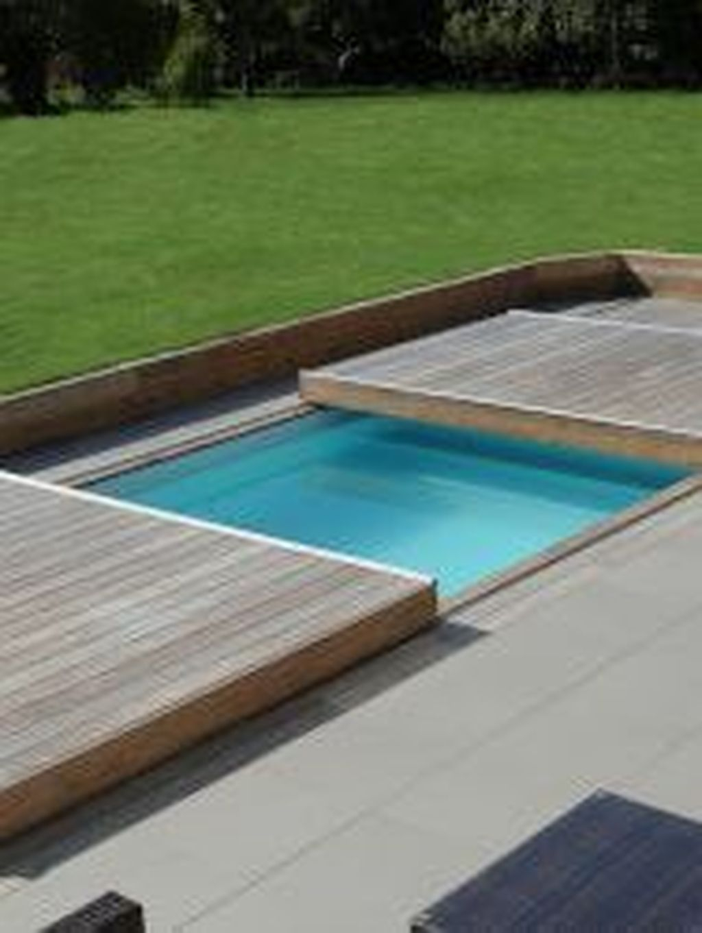 Chic Rolling Deck Design Ideas For Your Pools That You Need To Try 26