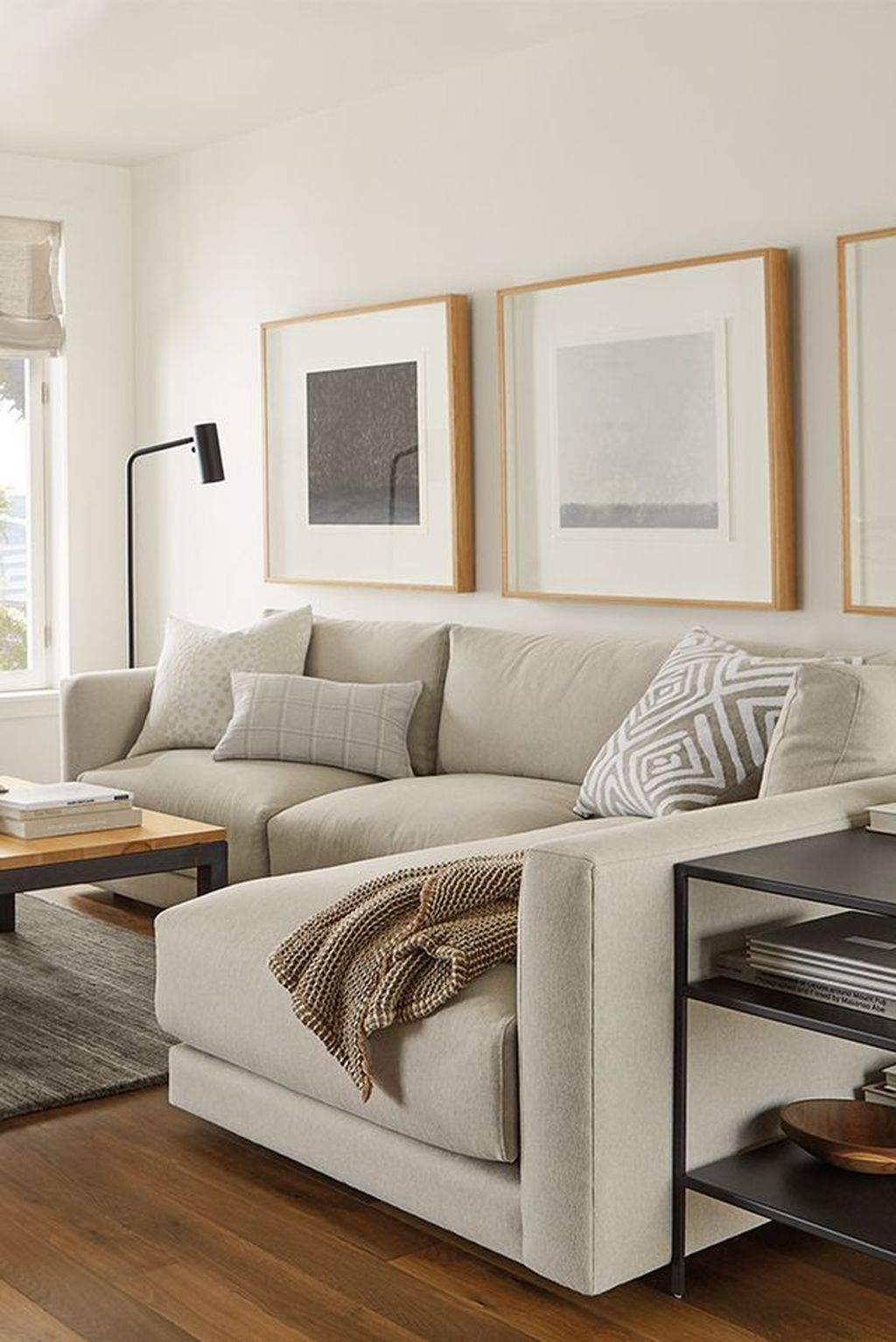 Graceful Living Room Design Ideas That You Need To Try 22