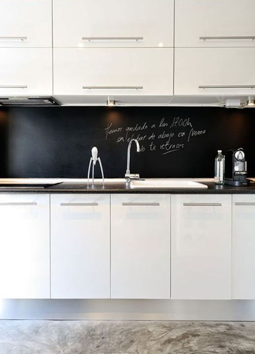 Modern Black Kitchens Design Ideas For Bachelors Pad To Try Asap 03