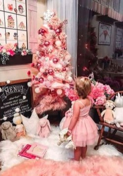 Sophisticated Pink Winter Tree Design Ideas That Looks So Cute 29