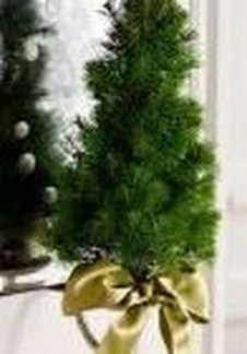 Delicate Tiny Winter Trees Design Ideas That You Should Try 29