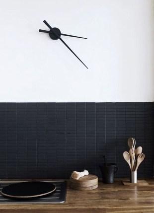 Extraordinary Black Backsplash Kitchen Design Ideas That You Should Try 12