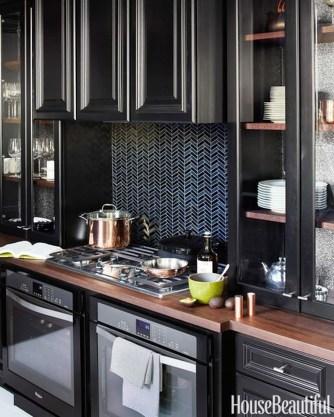 Extraordinary Black Backsplash Kitchen Design Ideas That You Should Try 38