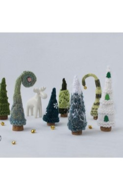 Favorite Knitted Winter Decorations Ideas To Try Right Now 09