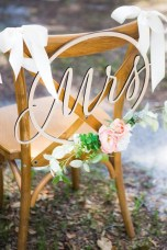 Magnificient Outdoor Wedding Chairs Ideas That Suitable For Couple 01