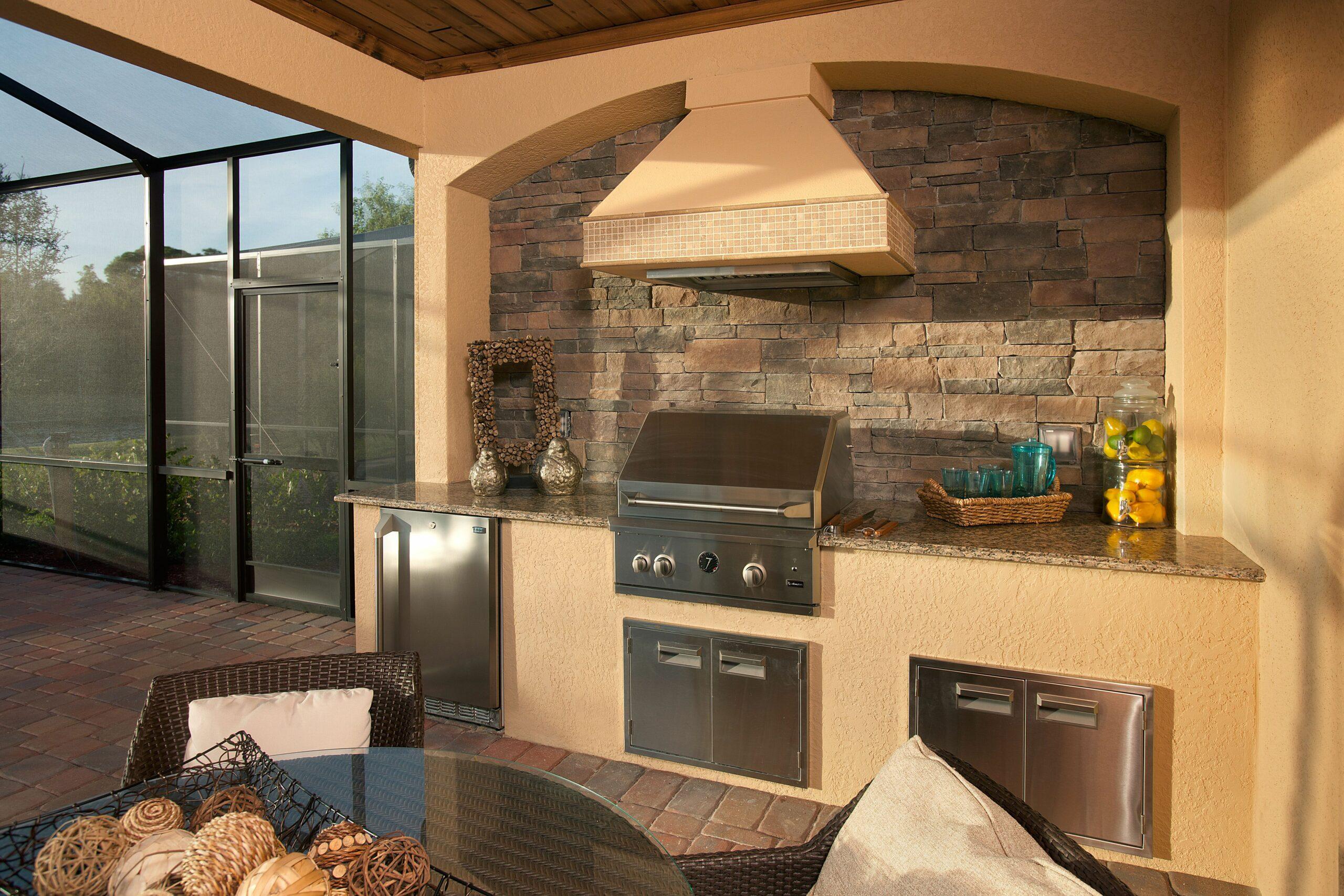 Naples Florida Outdoor Kitchens