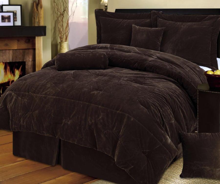 Down comforters  DecorLinencom