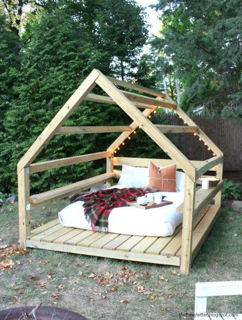 Awesome DIY Backyard Cabana