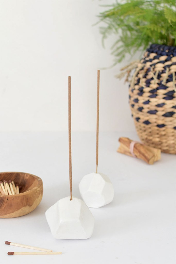 Minimal Geometric incense holder - Modern DIY decor ideas.