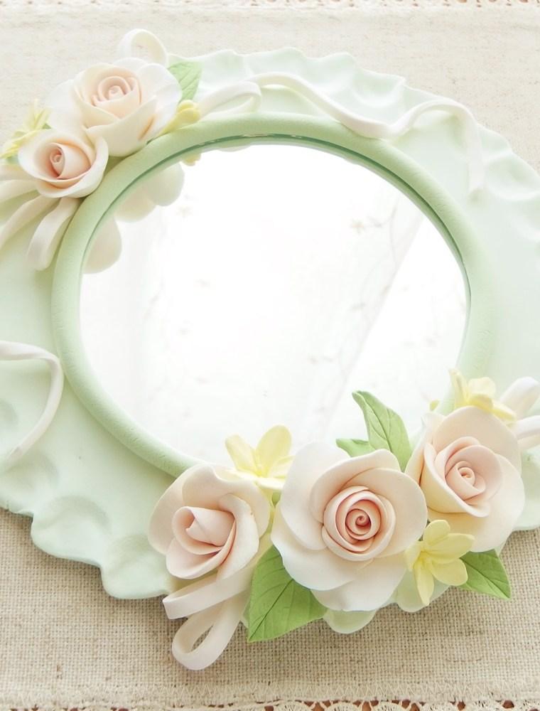 レッスン日和 ~ 新ご入会生徒さま初作品「鏡のデザイン」完成♪