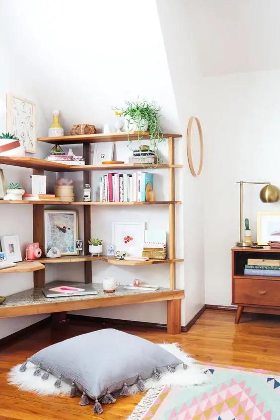 Sara Updates Her Childhood Bedroom – Bedroom Office Corner: