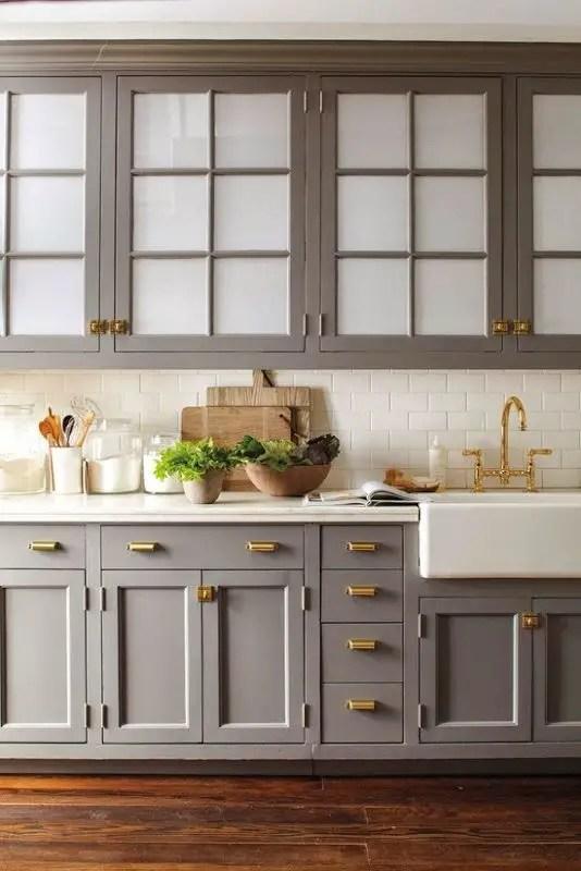 Neutral kitchen with brass hardware