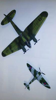 Heinkel HE 111 en spitfire