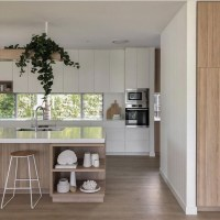40 The Good, The Bad And A Modern Beach House Kitchen Designed For Entertaining 8