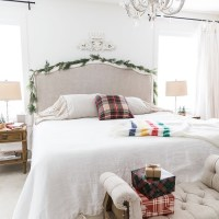 40+ The Ugly Side Of Simple Farmhouse Christmas Bedroom Decor 9
