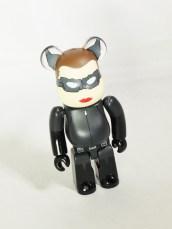 medicom-bearbrick-s24-hero-dc-comics-cat-woman-the-dark-knight-rise-selina-kyle-02