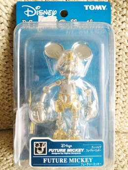 disney-magical-116-dhyp-future-mickey-gold-1
