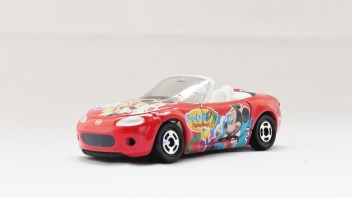 TOMICA-Disney-Mickey Mouse D-37 Club House Roaster Car - 02