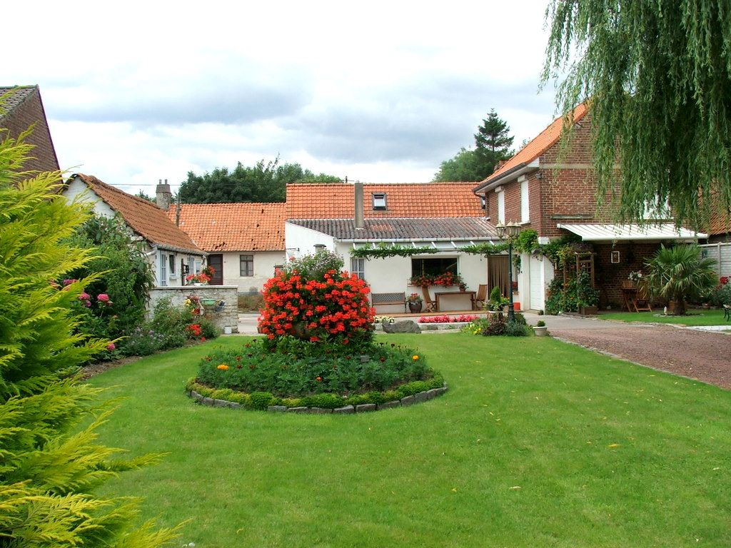 Le jardin de Jeannine  un beau jardin