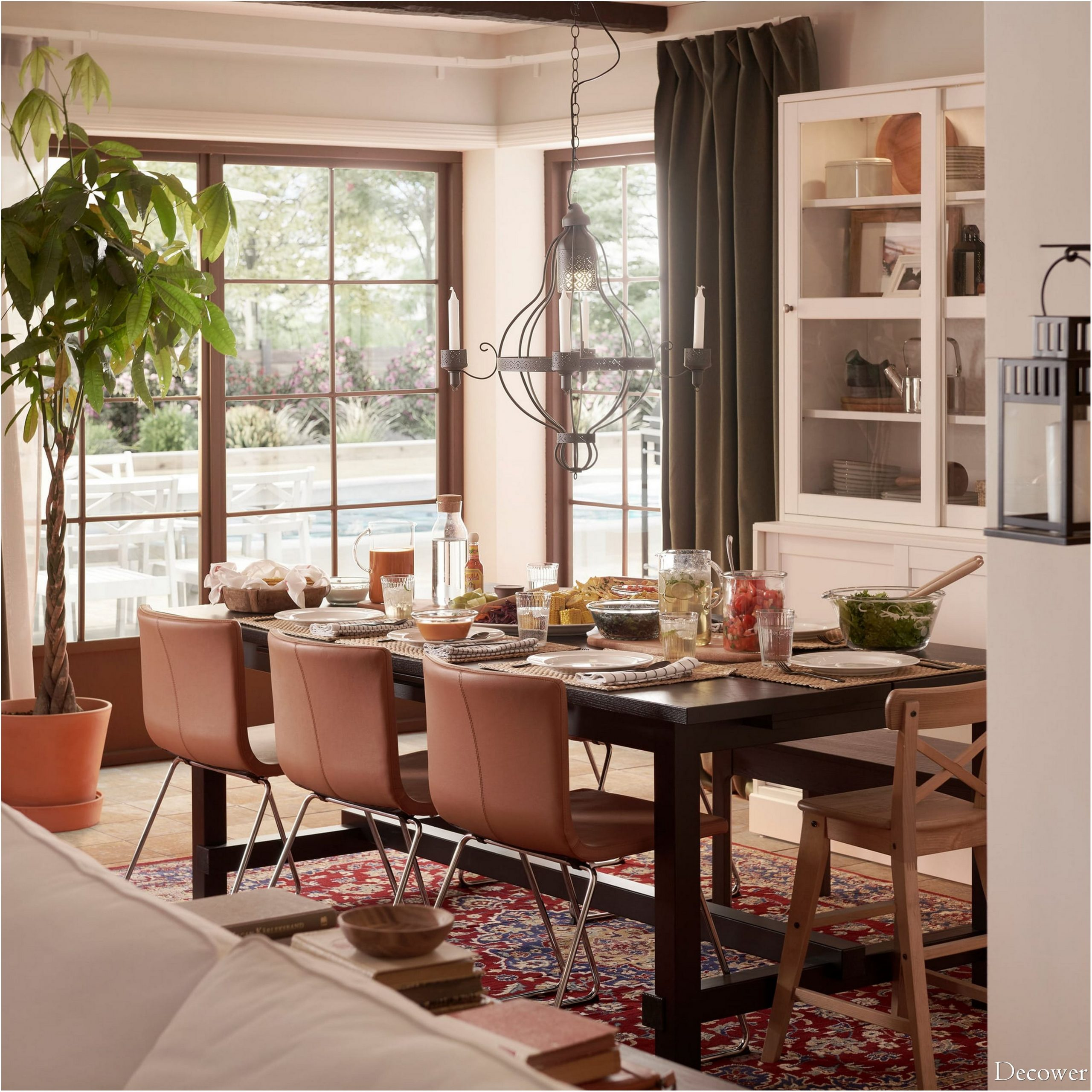 Warm And Affectionate Dining Room With Modern Leather Chairs