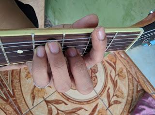 kunci gitar F#
