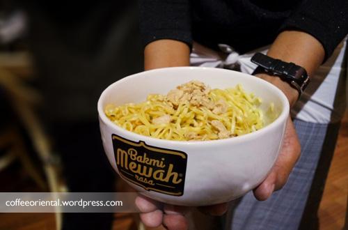 bakmi01 - Cobain Bakmi Mewah Rasa Lengkap Daging Ayam dan Jamur Asli