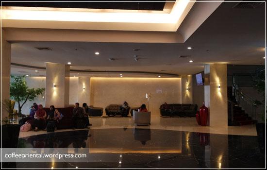 Lobby utama Hotel Beston Palembang