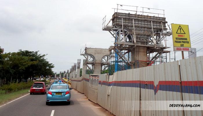 Progress pengerjaan konstruksi LRT masih dirampungkan